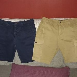 2 pair of men's sz 30 shirts Hollister lucky brand